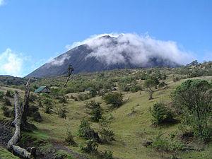 300px-Volcan-de-pacaya