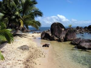 Plage-sur-l-ile-Sainte-Marie-Madagascar